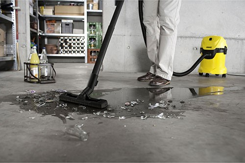 How to Operate a Karcher Wet & Dry Vacuum Cleaner